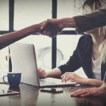取引先とのコミュニケーションに使える!覚えておくと便利な職場で使う英語表現